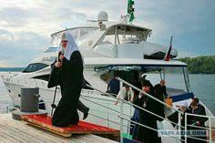 Патриарх РПЦ Кирилл осудил стремление людей жить богато и благополучно.