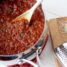 Pecorino-Romano cheese gives this rustic marinara sauce extra richness and flavor for your Italian-inspired meals. Fresh Tomato Marinara Sauce, Homemade Tomato Sauce, Homemade Spices, Italian Fish Stew, Italian Dishes, Sauce Recipes, Cooking Recipes, Pasta Recipes, Chicken Recipes