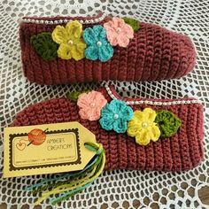 Crochet slippers by Amber Aamir ♡
