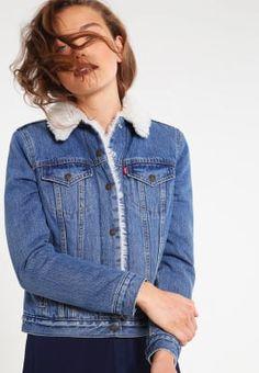 Levi's® VINTAGE SHERPA TRUCKER - Giacca di jeans - blue denim a € 104,00 (17/10/16) Ordina senza spese di spedizione su Zalando.it