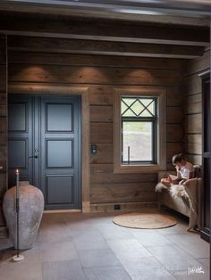 Cabins In The Woods, House In The Woods, Cabin Homes, Log Homes, Chalet Design, House Design, Mountain Cottage, Cabin Interiors, Cabins And Cottages