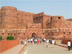 Holiday in Agra is the great experience to spend times of the tourists.