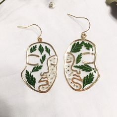gold plated face earrings women, queen anne's lace real pressed flowers ferns, botanical earrings, friend gift jewelry, resin jewelry by GrabBagBotany on Etsy Resin Jewelry, Jewelry Gifts, Boho Jewelry, Women Jewelry, Jewelry Design, Jewlery, Face Earrings, Women's Earrings, Clip On Earrings