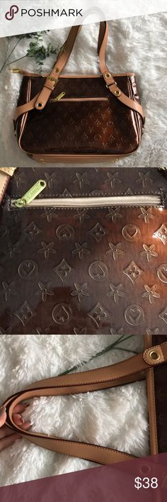 Designer look alike Purse Fun look alike purse - don't be fooled/ cute on a budget / perfect condition Bags Shoulder Bags