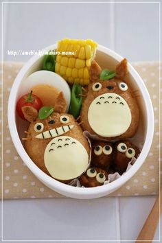 totoro bento, studio ghibli food Too cute! Sac Lunch, Bento Box Lunch, Japanese Lunch, Japanese Food, Totoro Ghibli, Cute Bento Boxes, Kawaii Bento, Bento Recipes, Food Humor