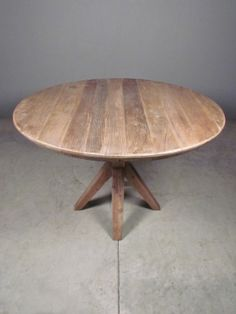 round kitchen or game table -dimensions: x 30 Diy Dining Table, Rustic Table, Wood Table, Dining Area, Dining Room, Round Kitchen, Kitchen Ideas, Round Coffee Table, Round Tables