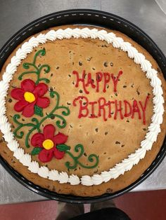 Giant Cookie Recipes, Giant Cookie Cake, Cookie Cake Birthday, Chocolate Chip Cookie Cake, Big Cookie, Cake Cookies, Giant Cookies, Cupcake Cakes, Cookie Pizza