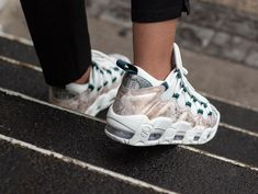 official photos 22a08 3698f Nike Wmns Air More Money LX Summit White Oil Grey sneakers baskets