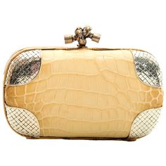 Pre-owned Bottega Veneta Beige Crocodile Clutch ($2,200) ❤ liked on Polyvore featuring bags, handbags, clutches, handbags and purses, leather clutches, beige leather handbags, crocodile purse, croc embossed leather handbags and genuine leather handbags
