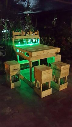 Pallet Outdoor Bar with Lighting