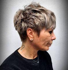 Female Short Choppy Haircut Short Choppy Haircuts, Bob Hairstyles For Thick, Thin Hair Haircuts, Asymmetrical Hairstyles, Choppy Cut, Long Hairstyles, Shampoo For Gray Hair, Thin Hair Cuts, Everyday Curls