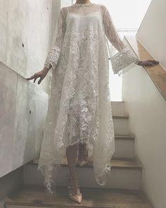 Party Dresses white maxi dress white lace maxi dress all white dress – uooklly Kebaya Dress, Dress Pesta, Pakistani Dress Design, Pakistani Dresses, Abaya Fashion, Fashion Dresses, White Lace Maxi Dress, Mode Abaya, Asymmetrical Dress