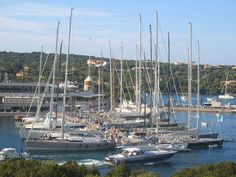 Have you been to Porto Cervo in Sardegna? Spectacular photo's here at italianallure.blogspot.com