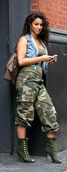 Army Chic… I have a pair of long pants similar. I should re-work them to look like this. Great idea! - Fitness is life, fitness is BAE! <3 Tap the pin now to discover 3D Print Fitness Leggings from super hero leggings, gym leggings, fitness, leggings, and more that will make you scream YASS!!!