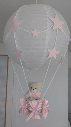Hot Air Balloon Baby Shower Centerpiece - Ivory and Pink L Deco Baby Shower, Shower Bebe, Baby Shower Balloons, Baby Shower Themes, Baby Boy Shower, Baby Shower Gifts, Lampe Ballon, Diy Hot Air Balloons, Baby Shower Centerpieces