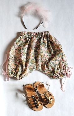 Summer outfit - Liberty print shorts - Le Carrousel