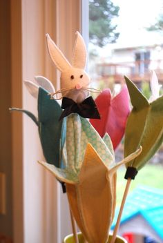 SINGING TIME IDEA: Could make your own...push the bunny up when singing well...Pop-Up Puppet (Music Time)