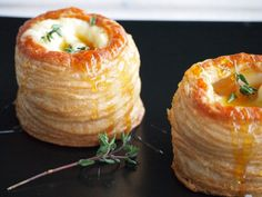 Pasty pastries with Brie Honey and Thyme Flying Foodie. Brie, Yummy Drinks, Yummy Food, Snack Recipes, Cooking Recipes, Xmas Food, Easy Snacks, High Tea, Food Inspiration