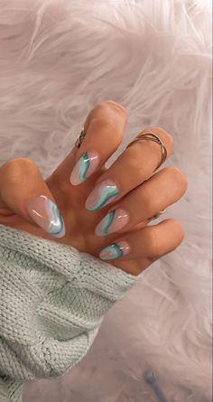 abstract acrylic nail artistic design nail tech inspiration green blue color Edgy Nails, Chic Nails, Funky Nails, Stylish Nails, Swag Nails, Trendy Nail Art, Funky Nail Art, Nail Art Blue, Grunge Nails