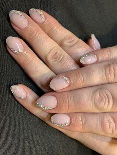 Gel polish on natural nails. Gem Nails, Natural Nails, Gel Polish, Gems, Nail Art, Beauty, Glittery Nails, Gel Nail Varnish, Rhinestones