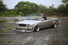 BMW E30 3 series cabrio grey slammed