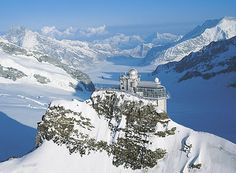 I want to go there....Sphinx Observatory at Swiss Alps...breathtaking.