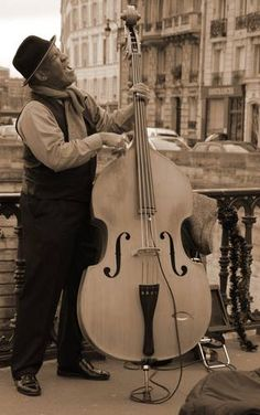 Jazz Singer Jazz Artists, New Artists, Jazz Cd, Jazz Poster, How To Express Feelings, Neo Soul, All That Jazz, Double Bass, Smooth Jazz