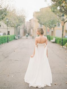 Off The Shoulder Wedding Dress Bridal Gowns, Wedding Dresses, Lent, Off The Shoulder, Spain, Editorial, Fine Art, Bride, Photography