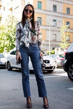 All the Milan Fashion Week Street Style From - Flare Style Désinvolte Chic, Street Style Chic, Milan Fashion Week Street Style, Milano Fashion Week, Cool Street Fashion, Casual Chic, Style Casual, Denim Fashion, Girl Fashion
