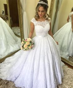 Nice near perfect Luxury Wedding Dress, Elegant Wedding Dress, Perfect Wedding Dress, Dream Wedding Dresses, Prom Dresses With Sleeves, Ball Gown Dresses, Bridal Dresses, Princess Wedding, Wedding Bridesmaids