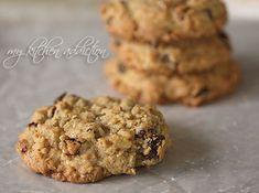Chewy Oatmeal Raisin Cookies (my kitchen addiction)  -with cinnamon, nutmeg and cardamom