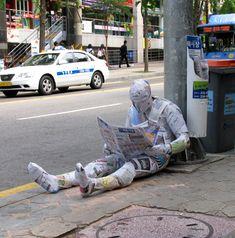 通報されてしまうレベル。見る者を驚かせるマーク・ジェンキンスのストリートアート 写真24枚:小太郎ぶろぐ