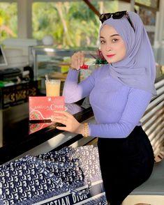 "afifie laila💯 di Instagram ""Nak Kurus = MCP ✨ Nak Putih = MCP ✨ Nak Awet Muda = MCP ✨ Nak Banyakkan susu ibu = MCP ✨ Banyaknyaa khasiat MCP senang citer #NAKCANTIK &…"" Muslim, My Girl, Instagram, Lady, Image, Fashion, Curvy Women Style, Daughter, Dibujo"