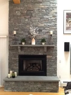 20 Living Space Styles with Fireplaces – Stone fireplace living room Corner Stone Fireplace, Fireplace Feature Wall, Family Room Fireplace, Home Fireplace, Fireplace Design, Fireplace Mantels, Fireplace Makeovers, Fireplace Ideas, Fireplaces
