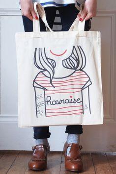 """Tadaaaa petite nouveauté : le tote Bag """"Havraise"""" ! Ils sont rien beaux car ils sont en coton Bio ! Ils seront en ventelors des prochains marchés de Noël ( Le samedi 6 décembre au bar Les Zazous..."""