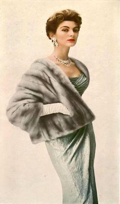Vintage Fur, Vintage Ladies, Vintage Woman, Winter Wedding Fur, Carmen Dell'orefice, Dedicated Follower Of Fashion, Green Velvet Dress, Vogue Beauty, Look Magazine