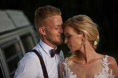 Különleges esküvő - Esküvői fotós, Esküvői fotózás, fotobese Diamond Earrings, Wedding Dresses, Fashion, Bride Dresses, Moda, Bridal Gowns, Fashion Styles, Weeding Dresses, Wedding Dressses