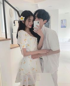 Image may contain: one or more people, people standing and indoor Korean Boys Ulzzang, Ulzzang Couple, Ulzzang Girl, Cute Relationship Goals, Cute Relationships, Cute Couples Goals, Couple Goals, Parejas Goals Tumblr, Cute Couple Outfits
