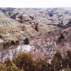 February in the #NorthDakota #badlands #hike #explore #adventure #winter #ndlegendary #beautifulbakken #marysphotos