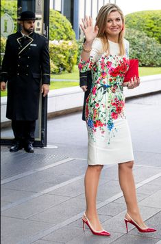 Queen Maxima of The Netherlands leaves the conference on April 2017 in Berlin, Germany. The conference, part of a series of events in connection with Germany's leadership of the group of. Get premium, high resolution news photos at Getty Images Dress Outfits, Casual Dresses, Fashion Dresses, Dress Up, Pretty Dresses, Beautiful Dresses, Mode Shoes, Queen Outfit, Royal Clothing