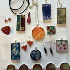 Very happy to see this resin jewellery going to Boise Idaho to the Chrysalis charity that supports homeless teenagers. #loveresin #resinpendant #resin earrings #resinjewelry #resinbracelet
