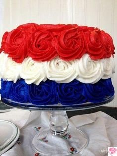 Red, White and Blue Patriotic Rose Cake for of July, Labor Day and Memorial Day. Fourth Of July Cakes, 4th Of July Desserts, 4th Of July Party, Patriotic Desserts, Blue Desserts, Patriotic Party, 4th July Cupcakes, Patriotic Recipe, July 4th Wedding