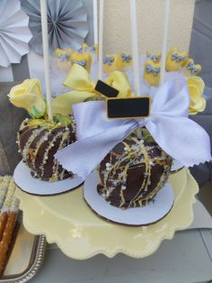 Decorated chocolate covered caramel apples at a Gender Reveal Baby Shower #genderreveal #babyshower