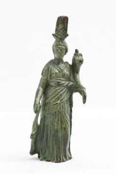 FOTO 5. BRONČANI KIPIĆ IZIDE FORTUNE (Arheološki muzej Istre, Pula)