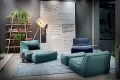 ZOE MORE comes from the history and experience of the ZOE armchair, presented for the first time in 2006 and become a design icon in just a few years. Sofa Chair, Armchair, Homekeeping, Furnitures, Cologne, Icon Design, Living Room Designs, Bean Bag Chair, Furniture Design