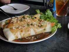Fresh Lumpia – Lumpiang Sariwa Filipino Recipe – Filipino Foods And Recipes Filipino Dishes, Filipino Recipes, Asian Recipes, Filipino Food, Healthy Recipes, Ethnic Recipes, Pinoy Recipe, Asian Foods, Filipino Appetizers