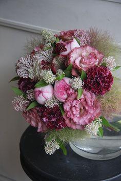 rose,eustoma,carnation,cotinus and sarracenia