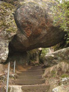 Hanging Rock in the Macedon Ranges - Victoria, Australia Outback Australia, Australia Travel, Melbourne Victoria, Victoria Australia, Tasmania, Macedon Ranges, Parks, Camping, Melbourne Australia