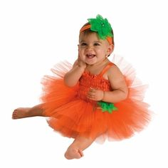Pumpkin Tutu Dress Baby Costume. Would love to make this for my little one next year!  Guess I should learn how to.