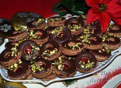 Nejlepší recepty pro sváteční příležitosti – sváteční pečení, různé druhy receptů | NejRecept.cz Christmas Cookies, Sweet Tooth, Deserts, Muffin, Food And Drink, Rum, Birthday Cake, Baking, Breakfast
